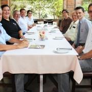 Reunião realizada na Churrascaria Figueira definiu descontos especiais em homenagem ao mês do representante comercial