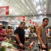 Consumidores consideram que a inflação continuará em queda atingindo 7,5% nos próximos 12 meses. Tânia Rêgo/Agência Brasil