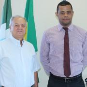 Presidente José Alcides e o representante do Bradesco Saúde Alex Terra. Foto Assessoria de Imprensa