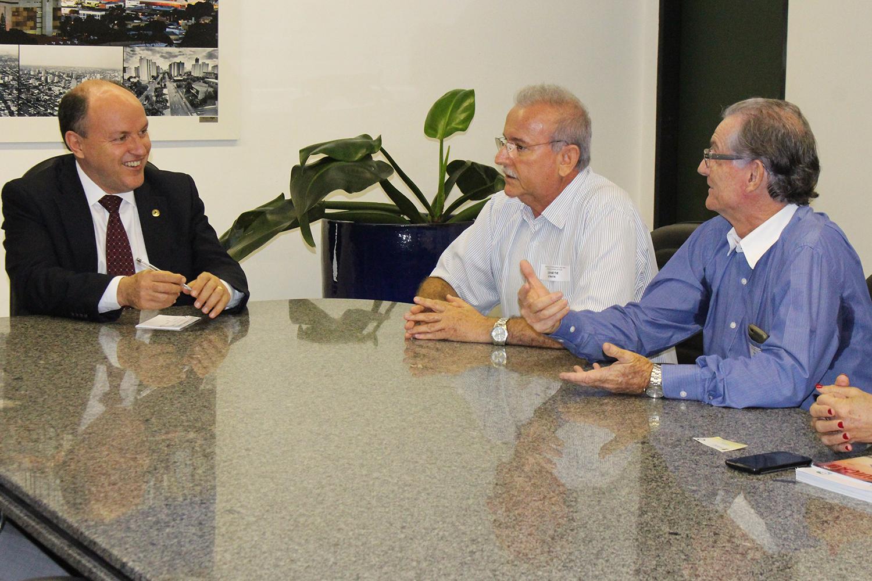 Jairo e Lionézio Rezende representaram o SIRECOM-MS e CORE-MS durante audiência