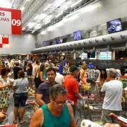 Inflação para famílias com renda até 2,5 salários mínimos foi de 0,67% em maio, taxa maior que a de abril: 0,11%. Tânia Rêgo/Agência Brasil