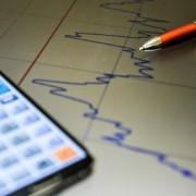 En maio, 900 mil pessoas deixaram de pagar dívidas em dia. Marcello Casal Jr/Agência Brasil